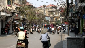 reisebericht vietnam, hanoi, hauptstadt, straßenverkehr, verkehrschaos, roller, sehenswuerdigkeit, nordvietnam, suedostasien, asien